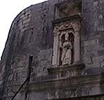 La statua di San Biagio sulla Porta Pile, Ragusa (Dubrovnik). Autore e Copyright: Marco Ramerini