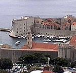 Il Forte San Giovanni e le mura attorno al porto, Dubrovnik (Ragusa), Croazia. Autore e Copyright: Marco Ramerini