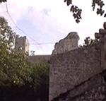 La fortezza di Koruna, una robusta fortezza con cinque torri rivolte verso il mare, Mali Ston (Stagno Piccolo), Dalmazia, Croazia. Autore e Copyright: Marco Ramerini