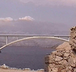 Il ponte che unisce l'isola di Pago (Pag) con la terraferma. Autore e Copyright: Marco Ramerini