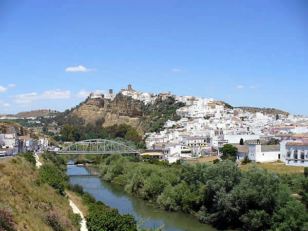 Arcos de la Frontera, Andalucía, España. Author and Copyright Liliana Ramerini